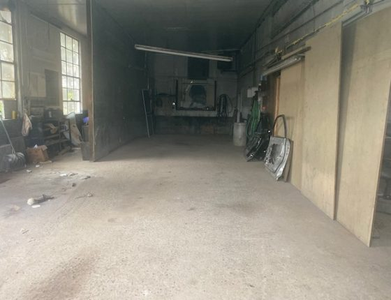 open space in auto garage for rent