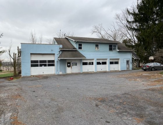 light blue auto garage for rent in womelsdorf pa